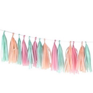 A Little Lovely Company - DIY Tassel guirlande - pastel