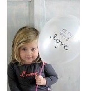 A Little Lovely Company - Ballon - All You Need Is Love